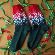 """Купить Носки с норвежским узором """"Счастливая звезда"""", красно-зеленые с белыми звездами в интернет-магазине Sweetsee.ru"""